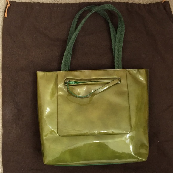 84cd0e13f6b0 PRADA patent leather bag. M_5ac9073172ea887f6bf4e07f